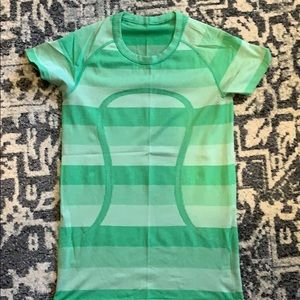 Women's Lululemon swiftly shirt